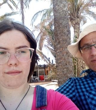 Я Оля и мой папа Максим.