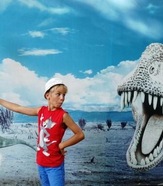 Павлов Миша в гостях у динозавров в Евпатории