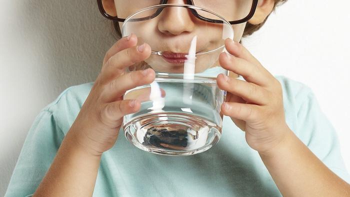 Почему дети перед сном просят попить?