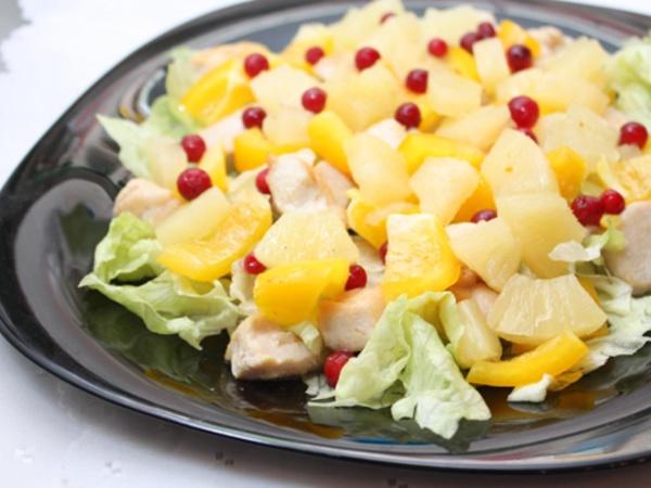 Легкий и вкусный салат для детей