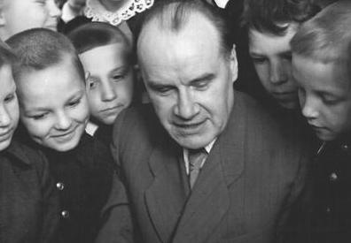 110 лет со дня рождения Николая Носова - автора Незнайки