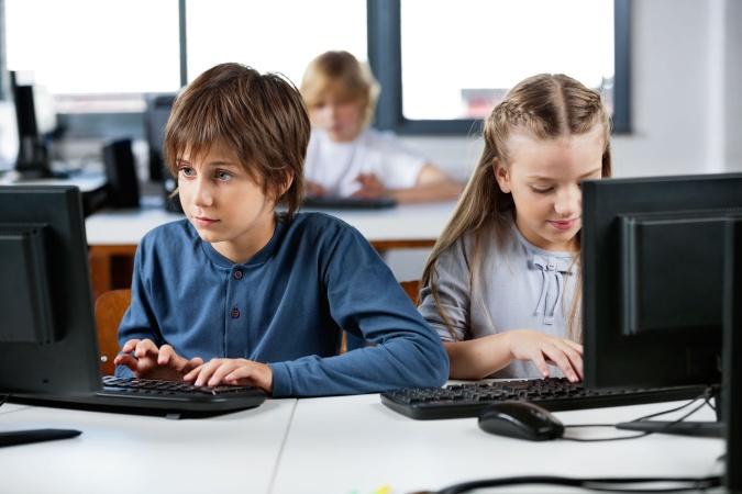 Школьников начнут обучать программированию с начальных классов