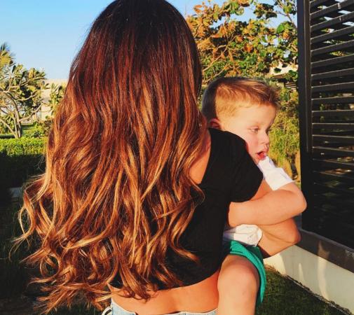 Певица Анна Седокова умилила интернет-пользователей летними фотографиями с сыном