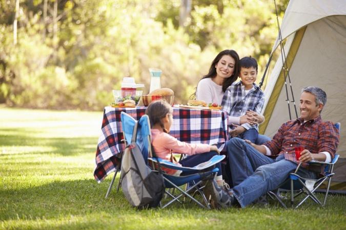 Роспотребнадзор рассказал, какие продукты лучше не брать с собой на пикник