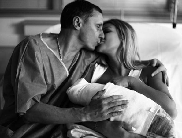 У шоумена Вадима Галыгина родился сын. Теперь он многодетный отец
