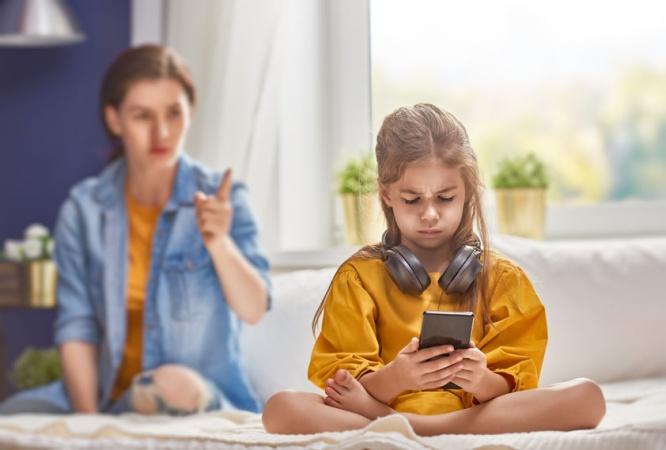 Почему глава YouTube запрещает своим детям пользоваться смартфонами?