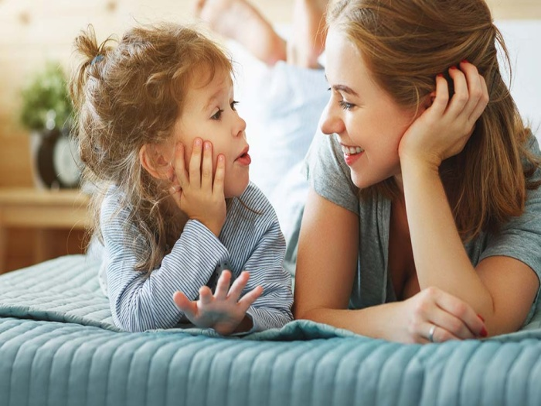 Сложные темы, на которые родители должны уметь разговаривать с детьми