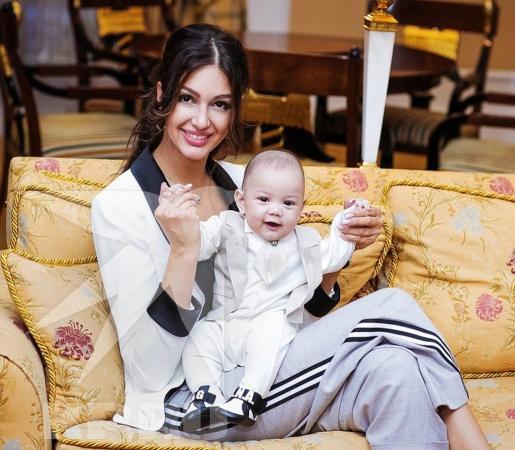 Оксана Воеводина продемонстрировала первое фото сына