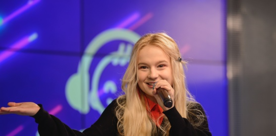 :Живой концерт Алёны Максимовой в студии Детского радио