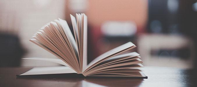 Не выбрасывать же! Что делать со старыми книгами?
