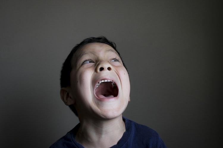 Как унять детскую истерику