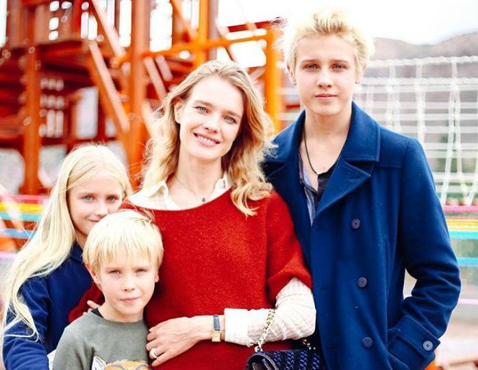Наталья Водянова привезла детей на отдых в Сочи