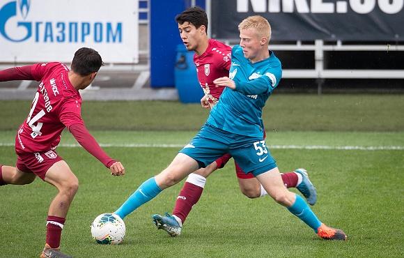 Четверо футболистов «Зенита» вызваны в юношескую сборную России